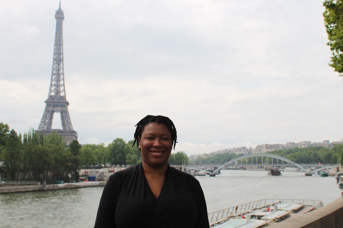Bola at the Eiffel tower